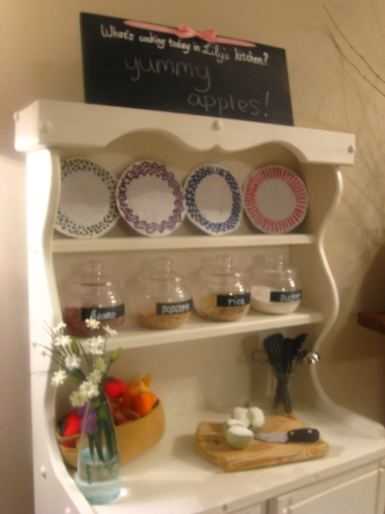 Kid Sized Hutch and Color Plate Flashcards