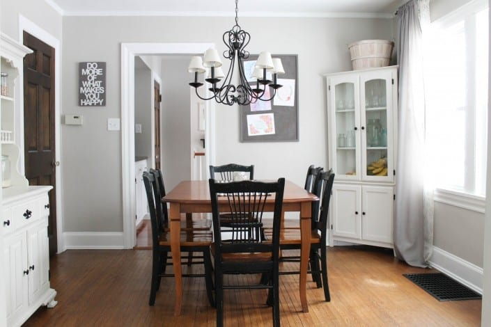 I am loving this fresh, simple family dining room!