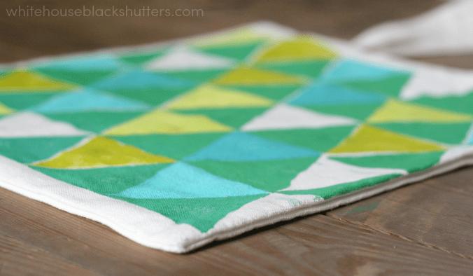 use stencils to make a color blocked triangle tote bag! via @whbsblogv