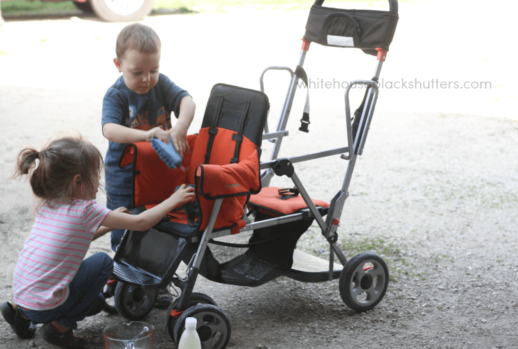 The easiest way to clean a stroller. Takes 15 minutes and minimal scrubbing! via @whbsblog