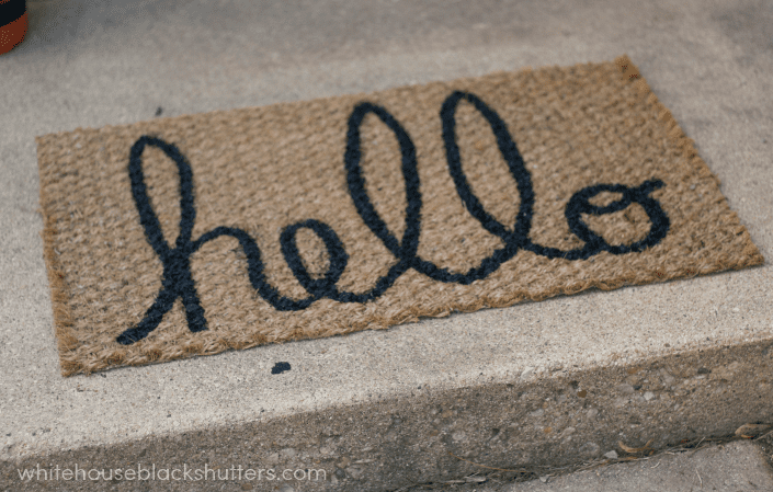 Make A DIY Hello Mat! | Whitehouseblackshutters.com