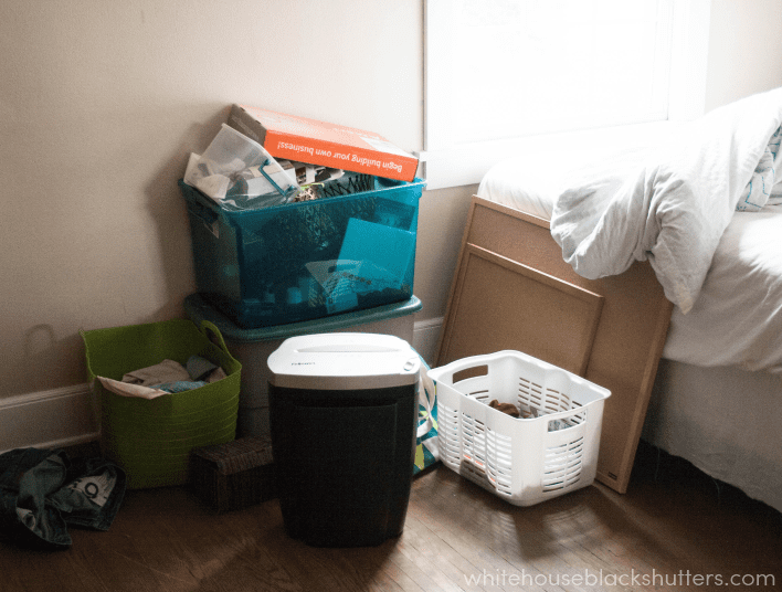"an example of a ""bad mess"", see a good mess and join in the Summer Simplify declutter challenge"