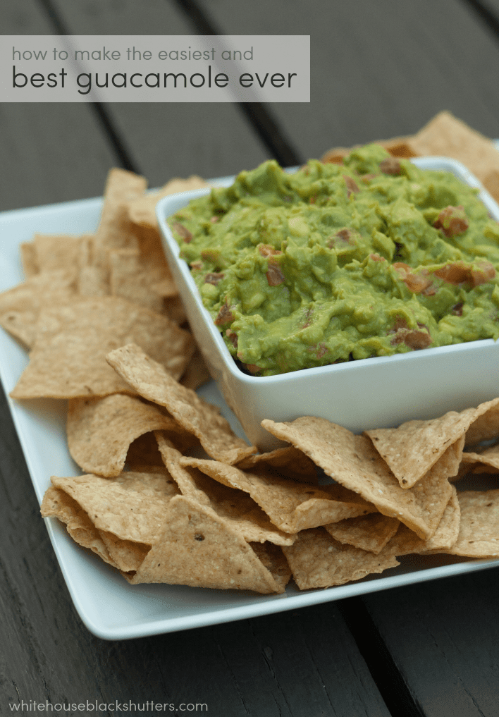 how to make the best (and easiest) guacamole, only four ingredients!