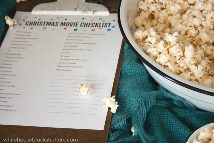 head into the holiday season with this Christmas movie list printable!