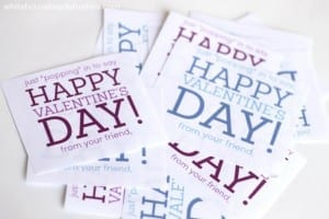 Free printable for popcorn Valentines! For boys and girls, nut-free, dairy free treat.