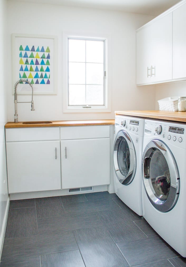 Beautiful! small laundry room remodel. Inexpensive, doable, great tips if you don't like your laundry room!