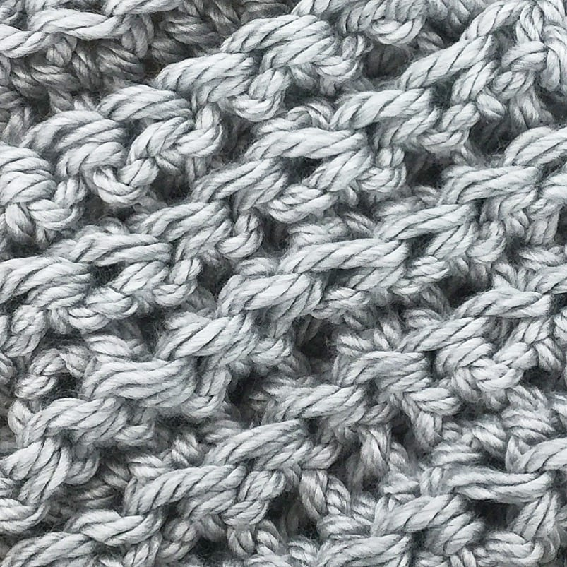 how to crochet a thick chunky scarf!