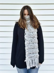 how to make a finger crochet scarf