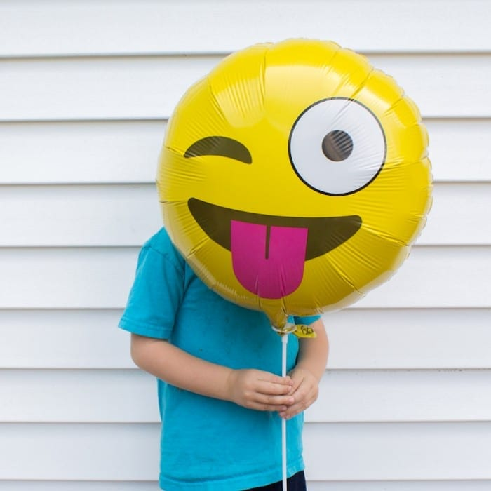 emoji balloon photo props - great idea for summer parties!