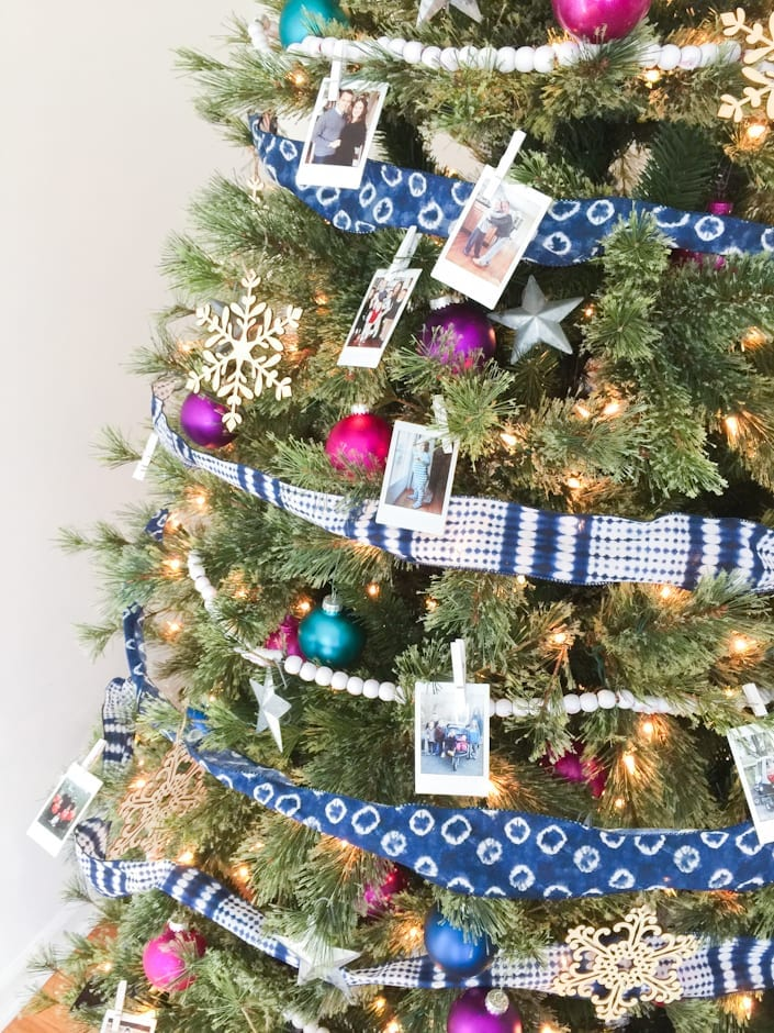 Colorful Christmas Tree Ideas.Decorating A Colorful Eclectic Family Photo Christmas Tree
