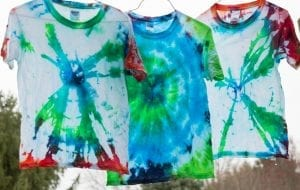 Instead of party favors, we tie-dyed shirts for a birthday party!